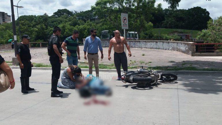 Un hombre resultó herido tras chocar en avenida Hipólito Yrigoyen