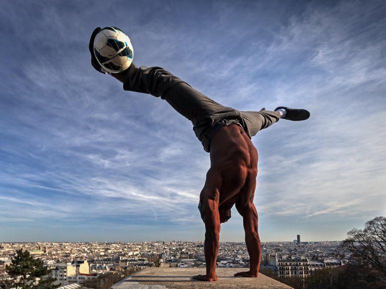 Iya Traore, el ex futbolista del PSG, deslumbra al mundo con su magia