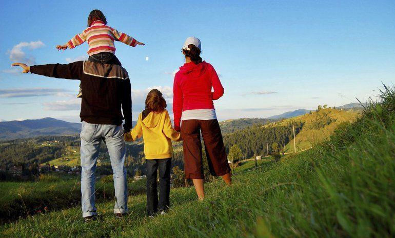 ¿Viajas con menores? Mirá que documentos tenés que llevar