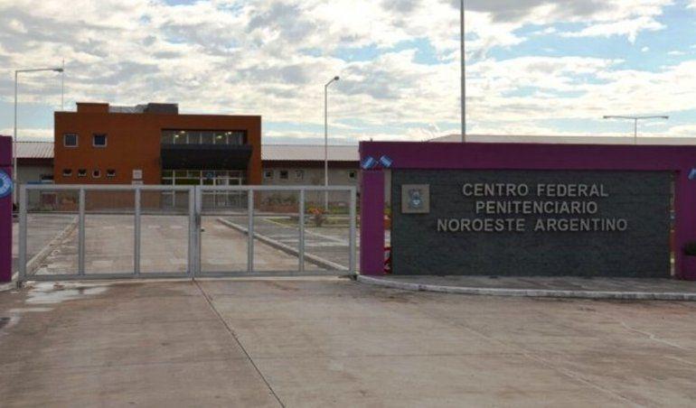 Un portón aplastó a un policía en la cárcel de Güemes: el hombre murió en el acto