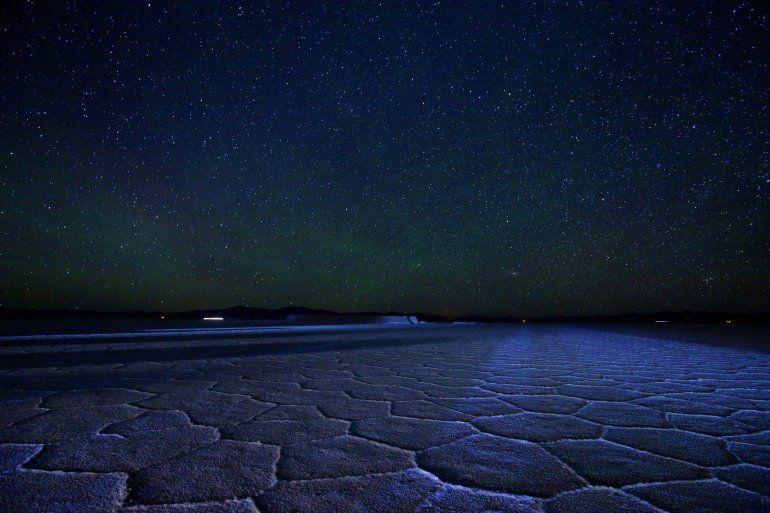 Mar de estrellas: visita nocturna a las Salinas Grandes, una experiencia mágica