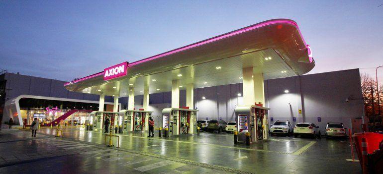 Axion baja hasta 1,5% los precios de sus combustibles en todo el país