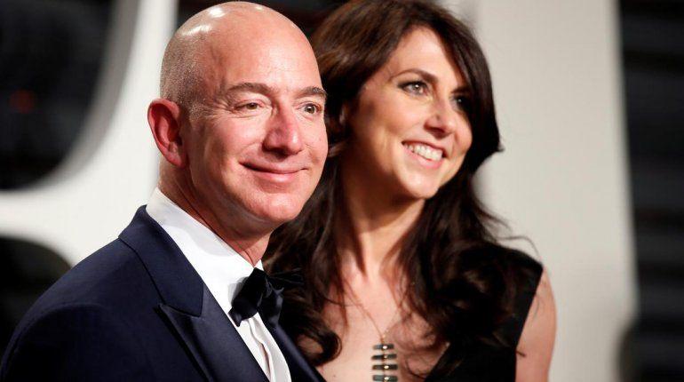 El dueño de Amazon anunció su divorcio por Twitter: 140 mil millones de dólares en juego