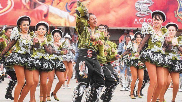 La Ciudad Cultural se viste de caporal en el segundo encuentro internacional por Bolivia