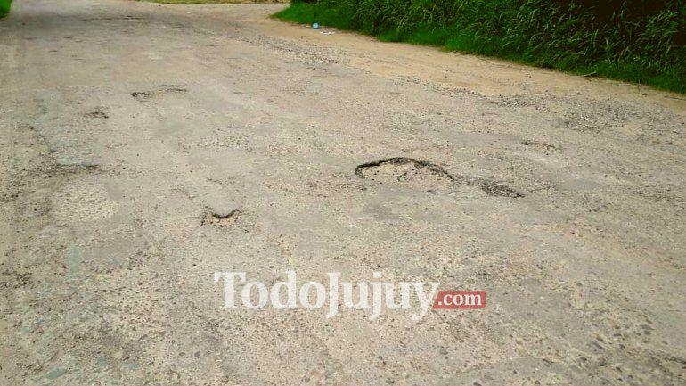 La Ruta Provincial 56, tramo Forestal, se ha convertido en un desafío de obstáculos
