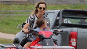 Lara Bernasconi circuló en cuatriciclo sin casco con su hijo en plena ruta