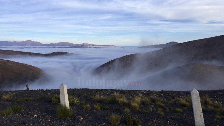 ¡Jujuy muy cerca del cielo! Hermosas postales de la Cuesta de Lipán rodeada de nubes
