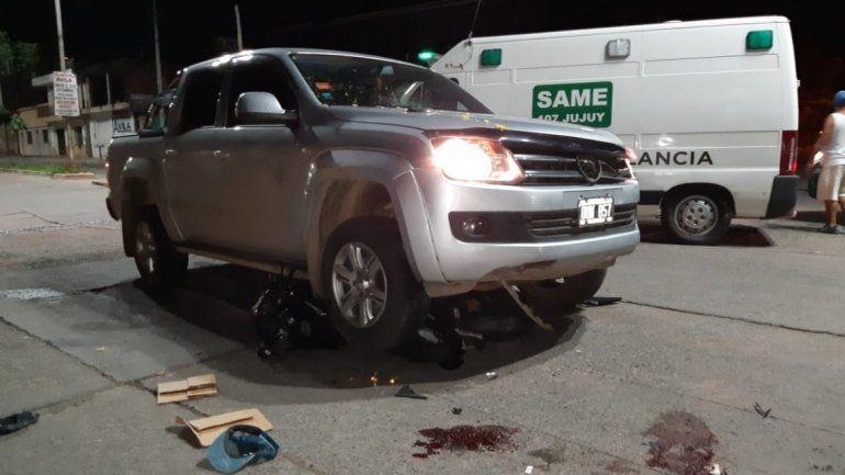 Accidente en Av. Pueyrredon: chocaron una moto y una camioneta