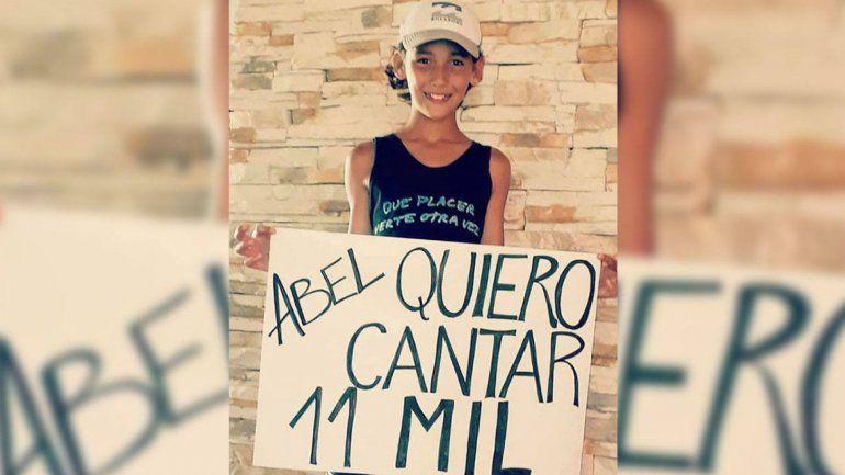 Abel Pintos cumplió el sueño de un nene de 11 años en La Pampa