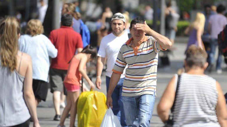 Sigue el calor: más de 20 ciudades con sensación térmica superior a 40 grados