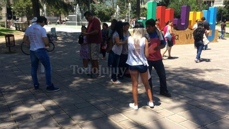 Salta se promociona en el centro de Jujuy como destino turístico