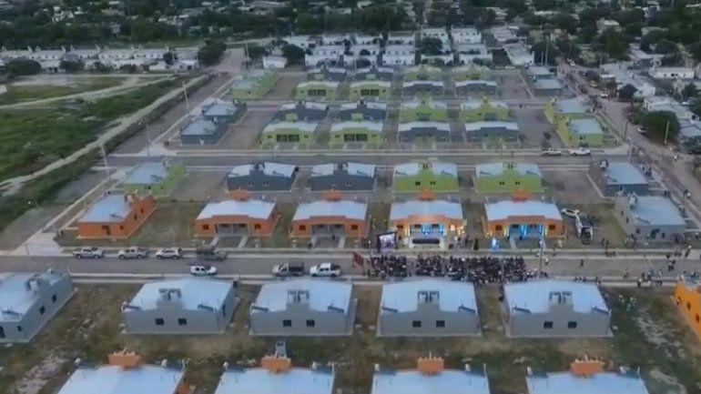 San Pedro: 195 familias recibieron sus casas y entregaron materiales al hospital Paterson