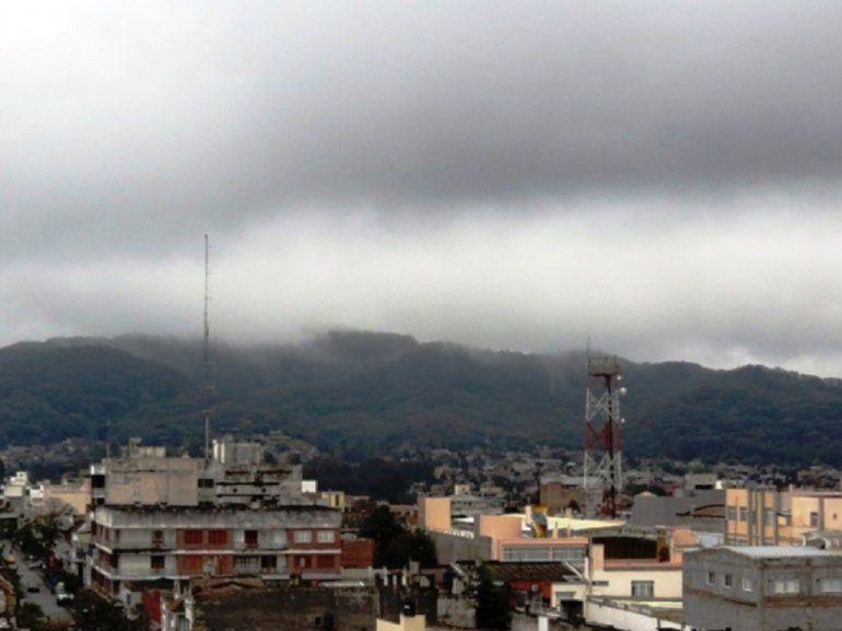 Un sábado con lluvia y bajas temperaturas durante todo el día