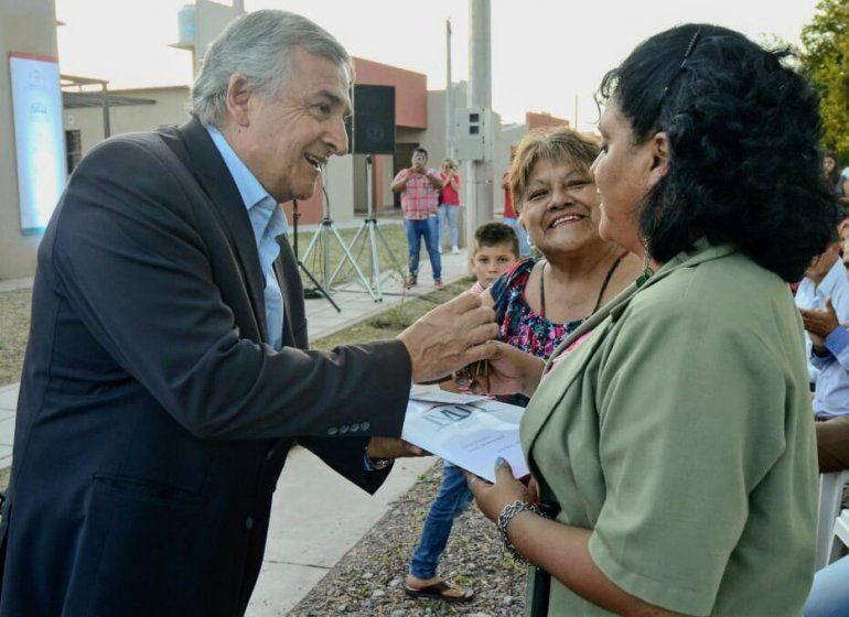 30 familias recibieron sus casas totalmente equipadas en Puesto Viejo
