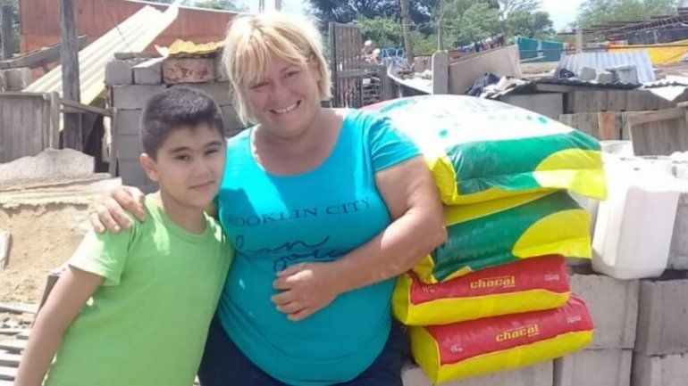 Emoción hasta las lágrimas: un nene donó todos sus ahorros al Hogar San Roque
