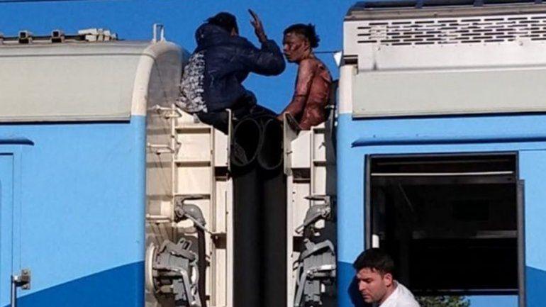 Murió uno de los jóvenes electrocutados en el tren Roca
