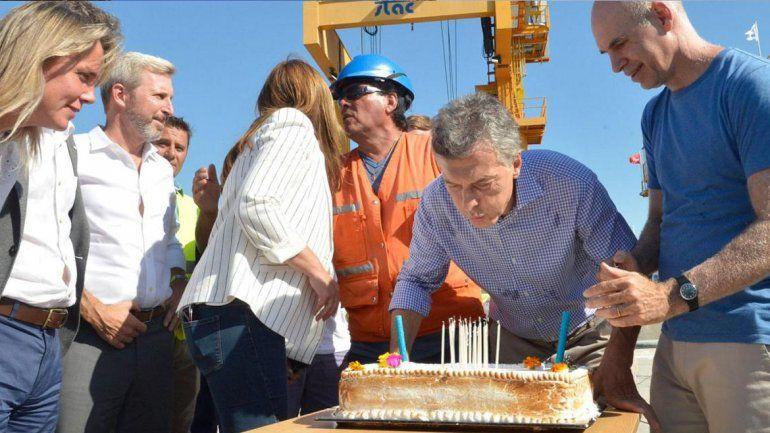 Macri en el día de su cumpleaños visitó una obra y dijo que en su gestión no hubo cuadernos