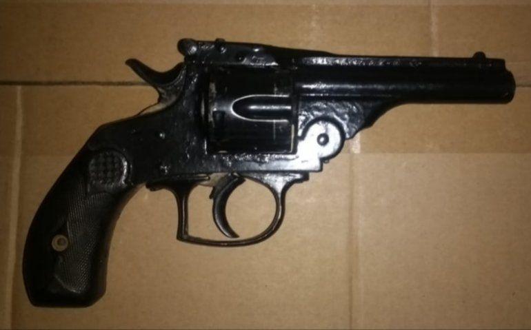 El loco del revolver amenazaba a los vecinos del barrio 1° de Mayo