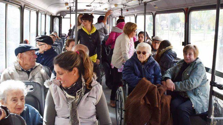 El viernes vencen los pases libres y los beneficiarios deben reactivarlos