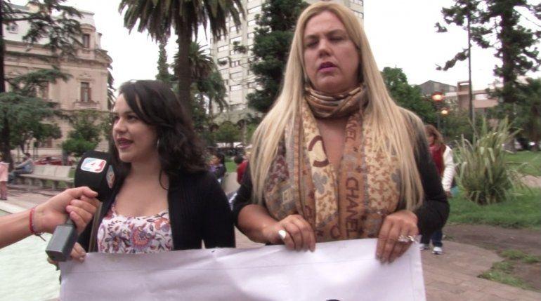 Protectoras marcharon para pedir que se cumpla la ley contra el maltrato animal