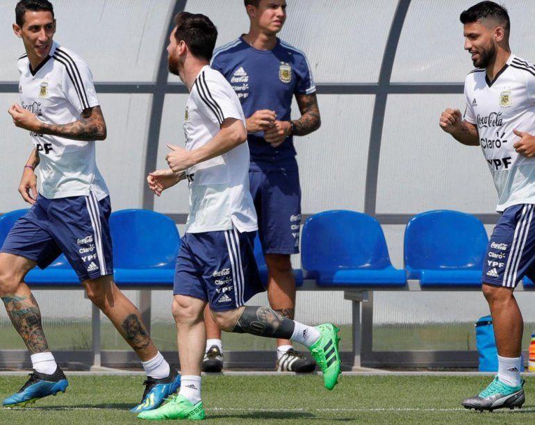 Lionel Scaloni viaja a Europa para comenzar a diagramar su plan: se reunirá con Messi, Agüero y Di María