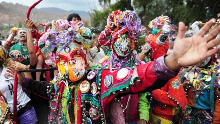 Hoy es jueves de Ahijado y el carnaval toca la puerta