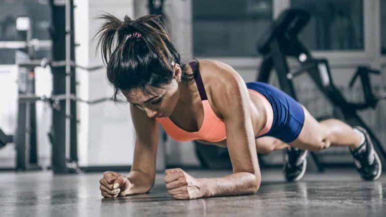 ¿Cómo bajar de peso y aumentar la masa muscular?