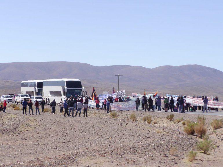 El Gobierno suspendió la reunión con comunidades originarias hasta que levanten el corte de ruta