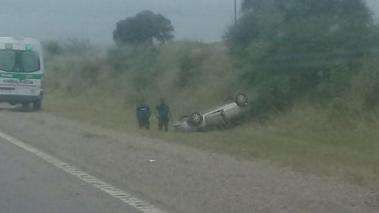 Un auto volcó en la ruta 66: dos personas resultaron heridas y no se registran víctimas fatales