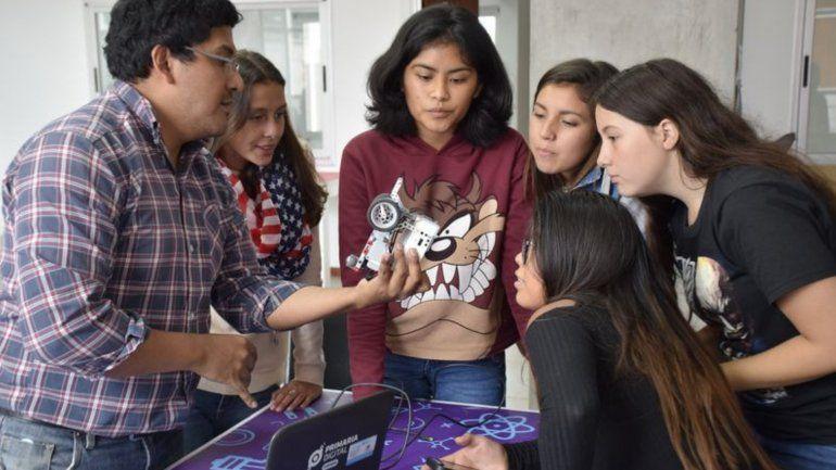 La robótica llega a los barrios Cuyaya, Campo Verde y Alto Comedero