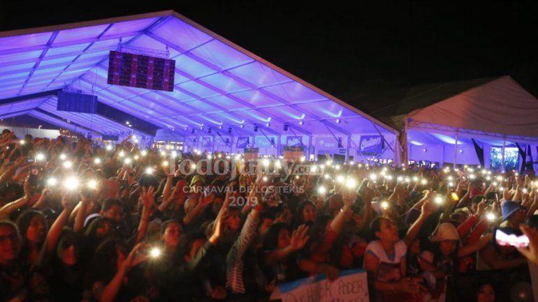 Una multitud en el Carnaval de Los Tekis