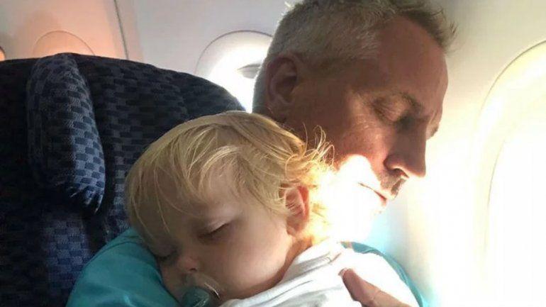 Marley muy molesto luego de que empleados de una aerolínea hicieron llorar a Mirko