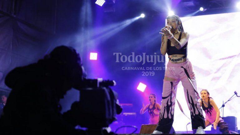Cazzu: La reina argentina del trap, es jujeña y la rompió en el escenario del Carnaval de Los Tekis