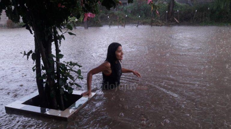 Barrio por barrio: mirá las imágenes de la lluvia que cayó sobre la capital jujeña