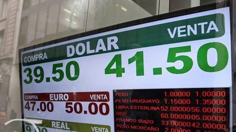 El dólar se dispara y se acerca a los 42 pesos