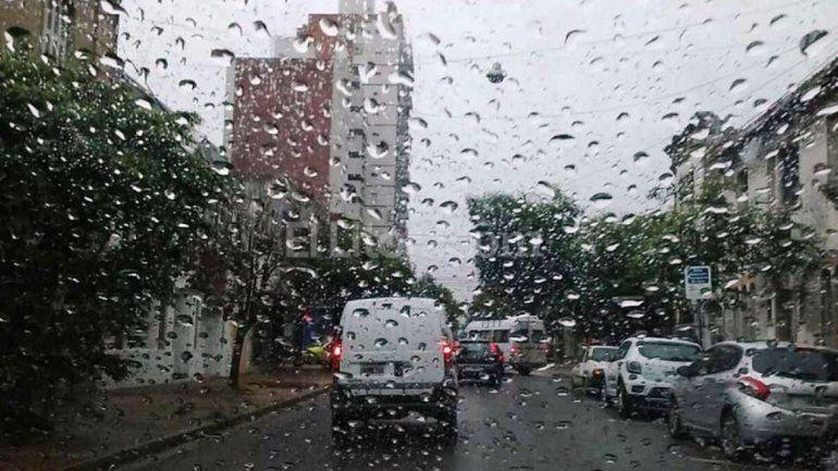 La lluvia no da tregua: para hoy a la noche y los próximos días se pronostican lluvias y tormentas