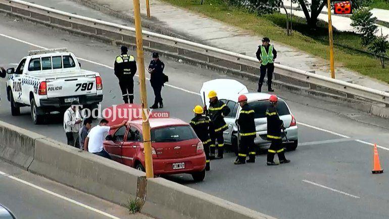Choque sobre avenida Gral. Savio, dos personas fueron trasladadas al hospital Pablo Soria
