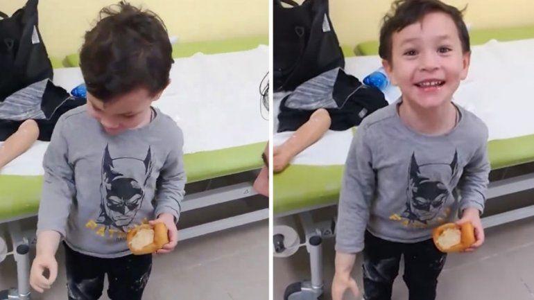 Un niño prueba su brazo biónico por primera vez y es extremadamente feliz