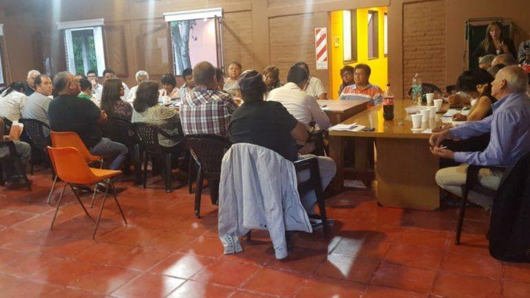 El Gobierno Provincial ofreció el 10% de incremento salarial a estatales y se vuelven a reunir el martes