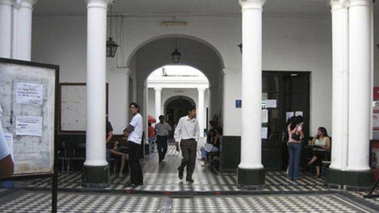 Docentes universitarios adhieren al paro nacional de este martes