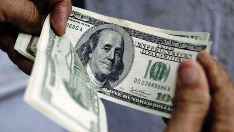 Por la guerra comercial entre Estados Unidos y China, el dólar sube y ya supera los $46