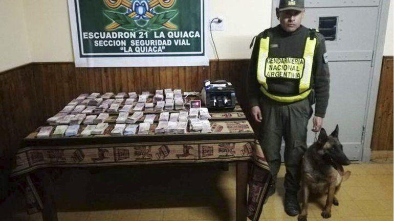 Ingresó por un paso no habilitado llevando dólares, pesos argentinos y bolivianos