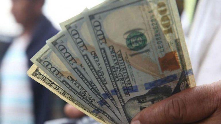 El dólar cerró en $44,96 y marcó otro record histórico