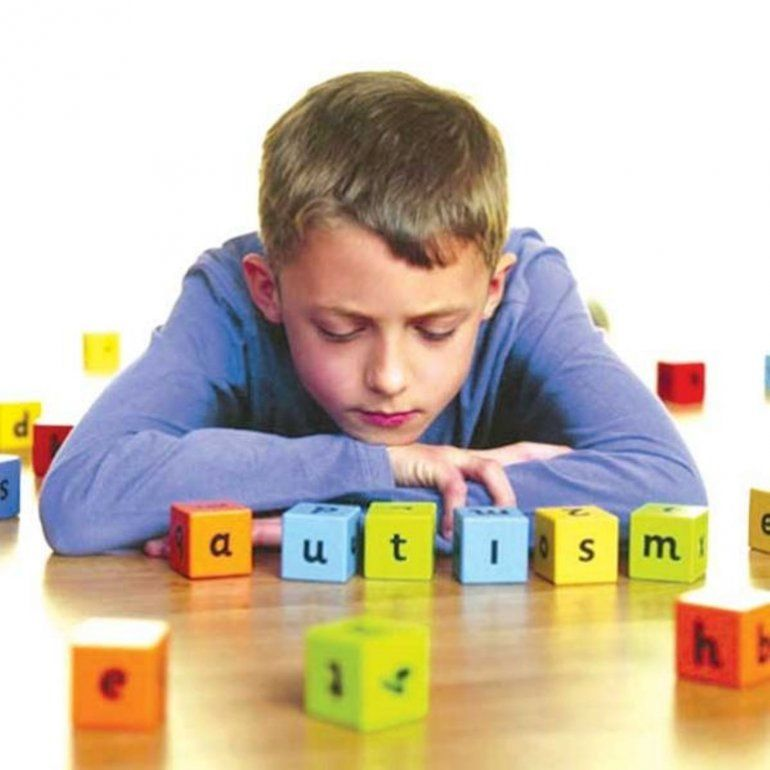 El mundo se viste de azul en el Día Internacional de Concientización sobre el Autismo