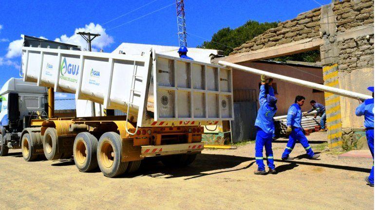 Agua Potable entregó caños de PVC para colaborar con conexiones domiciliarias