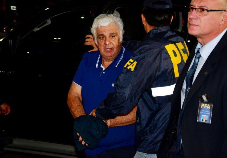 Alberto Samid llegó al país y enfrentará un juicio oral por evasión