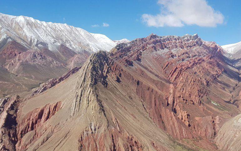 Se viralizan espectaculares fotos aéreas de los cerros de Jujuy nevados