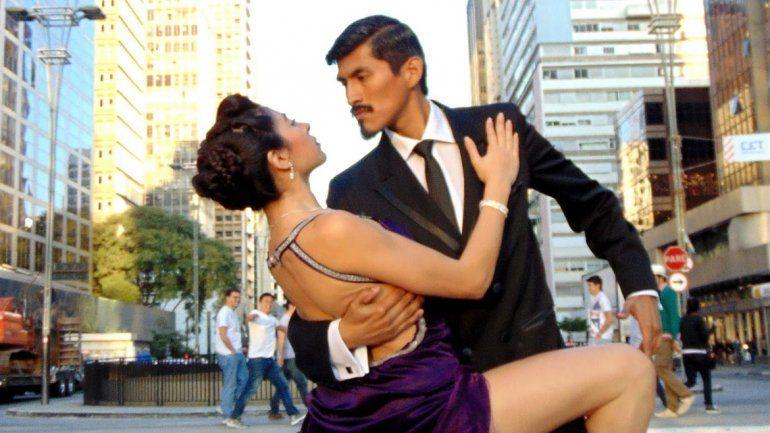 Jujeño de exportación: Benjamín brilla con el tango en el mundo y por primera vez bailará en su provincia