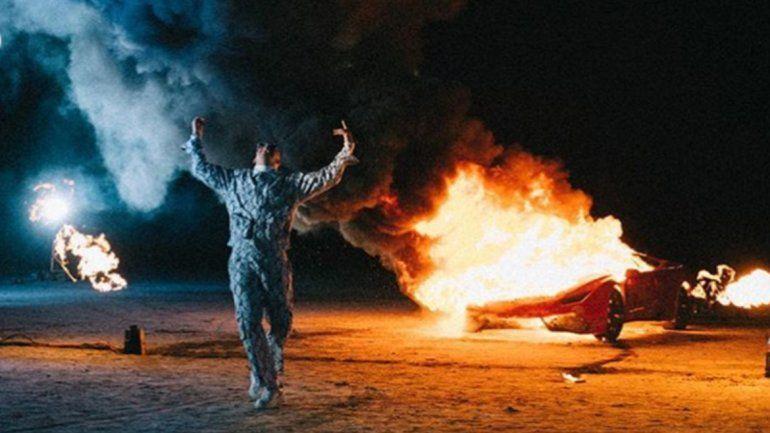 Tremendo: ¡Bad Bunny prendió fuego un Lamborghini!