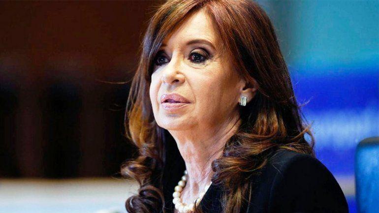 Un fiscal se opuso al viaje de Cristina a Cuba y todo quedó en manos del Tribunal
